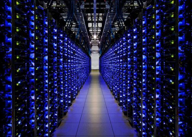 unde-traieste-internetul-google-premira-vizitarea-virtuala-centre-de-date-18276018