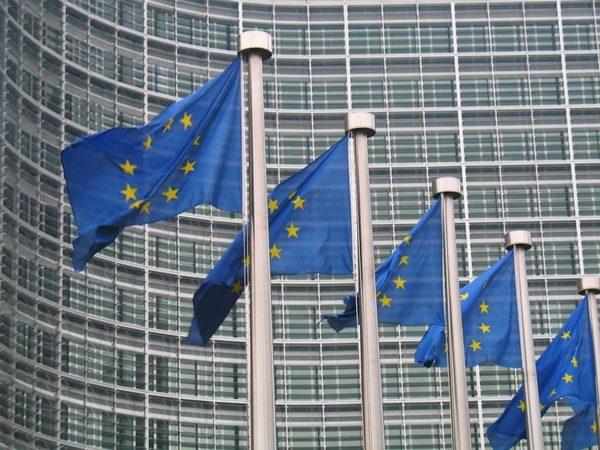 Frica de ruşi face Bruxelles-ul să se caute în portofel